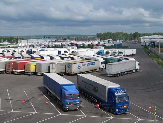 Импорт грузовых авто в РФ сократился в 3,4 раза в I квартале