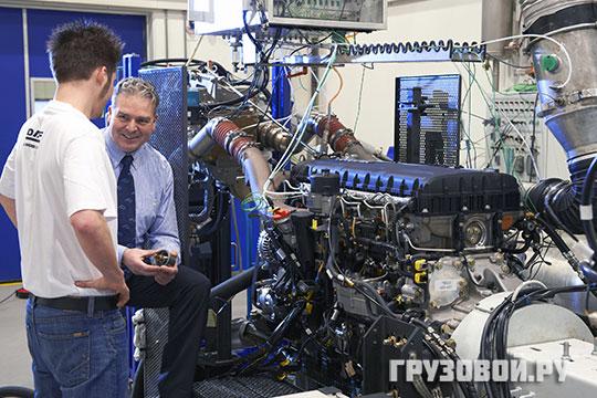 Двигатель и коробка передач вместе весят более тысячи килограмм