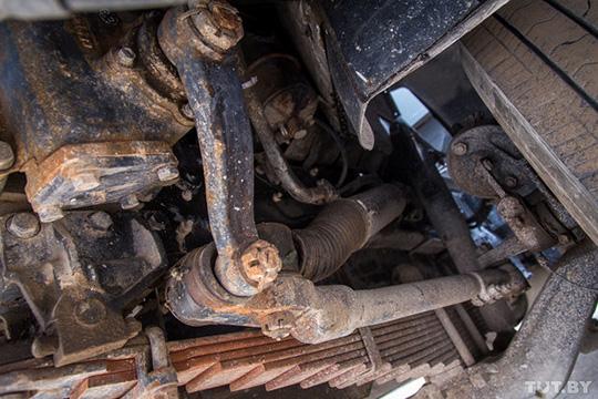 О проблеме с рулевой тягой знают даже инспекторы ГАИ, и сразу после остановки машины проверяют исправность этой детали
