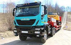 Cедельный тягач Iveco-AMT Trakker 633910